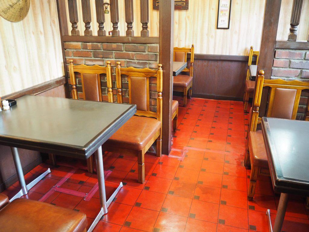 ボックス席,喫茶店