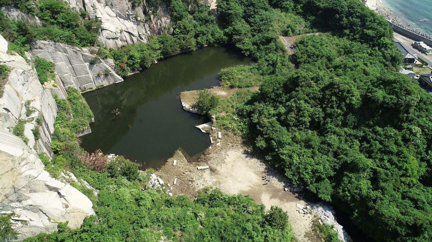 島の歴史 -三ツ石の採石場-