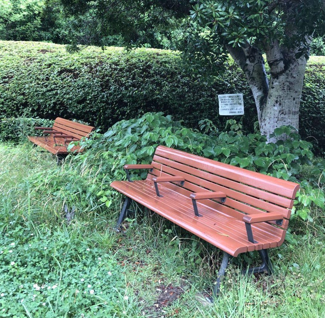 西緑地公園の休憩スペース1
