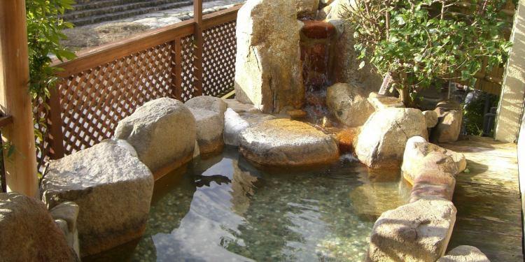 房山園の露天風呂