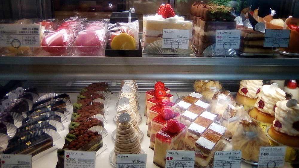 シェフパティシエが創り出す「パティシエY.s」にしかないお菓子達。