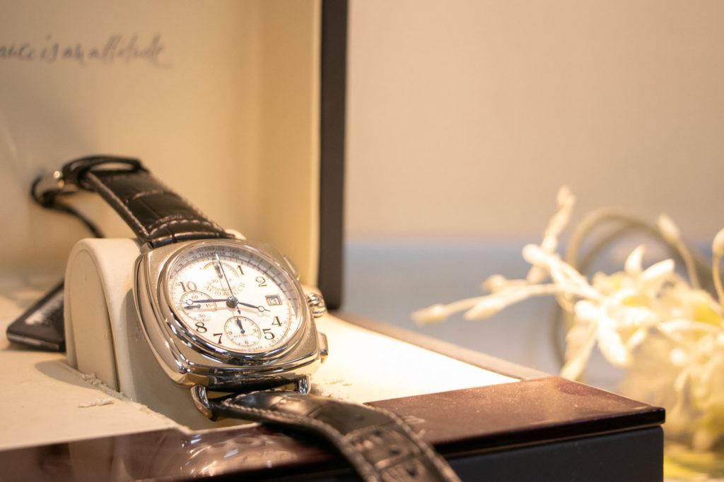 スイス製高級時計