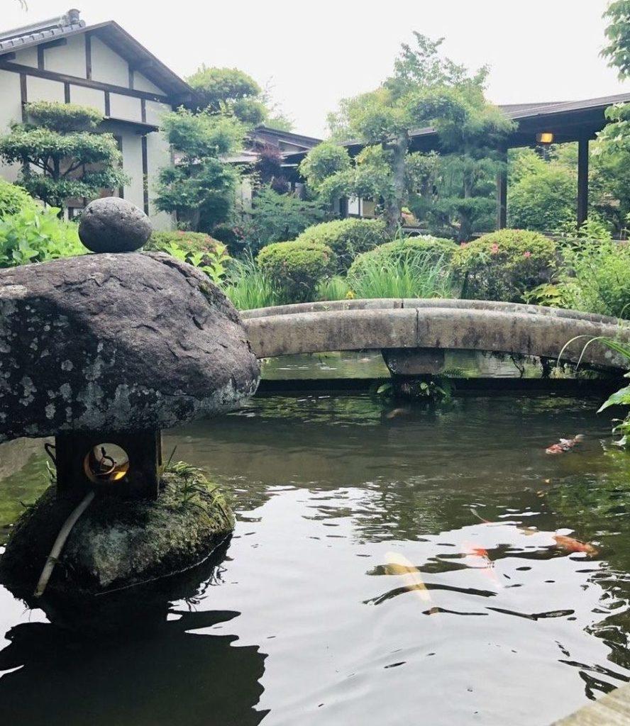 房山園の中庭2