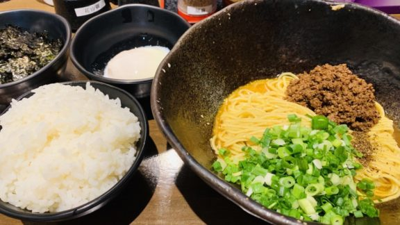 汁なし担担麺 階杉